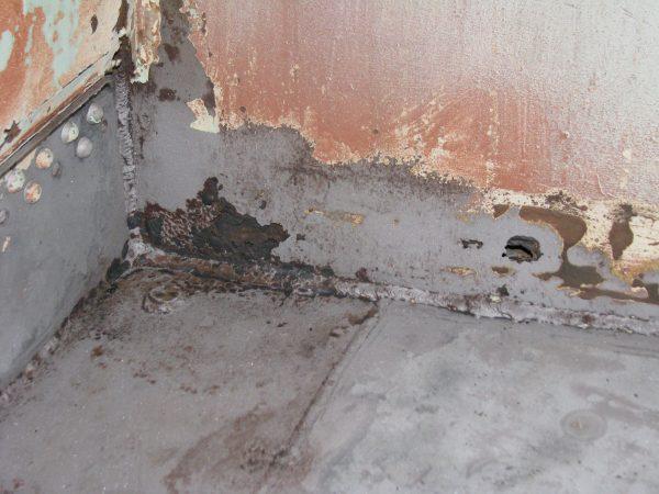 Wardroom rust corner